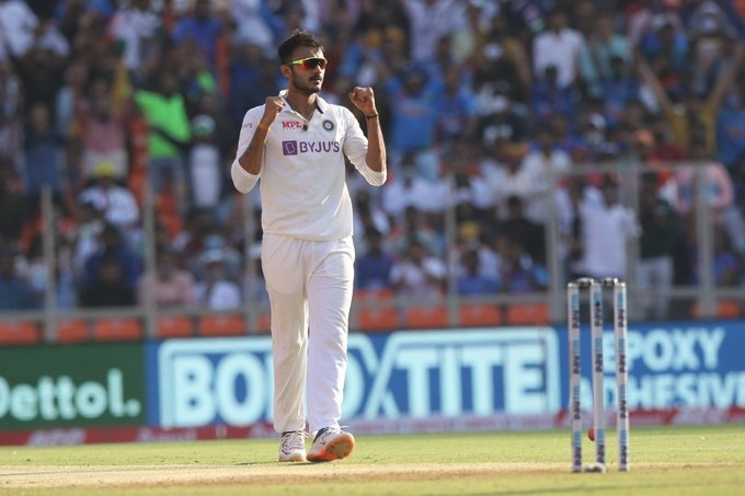 3rd Test: Patel takes 6 wkts as India bowl out England for 112. Pic- IANS