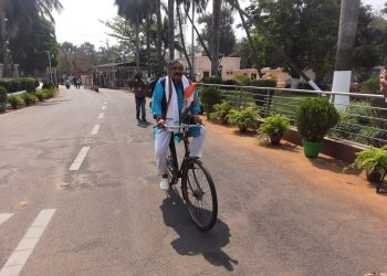 Congress MLAs ride bicycle to Assembly as petrol touches Rs 100 in Odisha