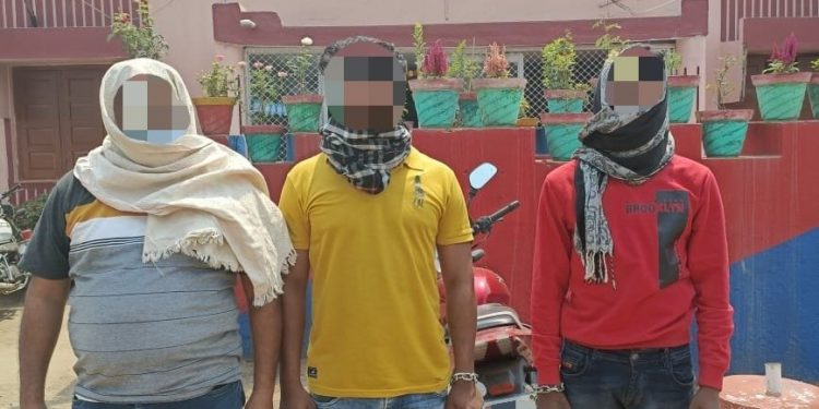Firearm smuggling racket busted in Koraput, three arrested