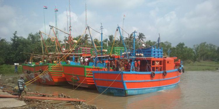 Cyclone 'Yaas' fear grips people of Balasore district
