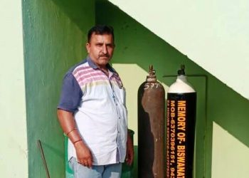 This man provides a whiff of life to those gasping for breath Read on for details