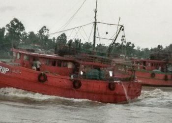 Yaas People in coastal pockets on edge