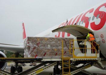 Switzerland sends 600 oxygen concentrators, 50 respirators to India ( Photo: twitter/SwissHumAidUnit)