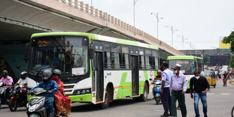 Mo Bus services resume in Bhubaneswar, private services all across Odisha